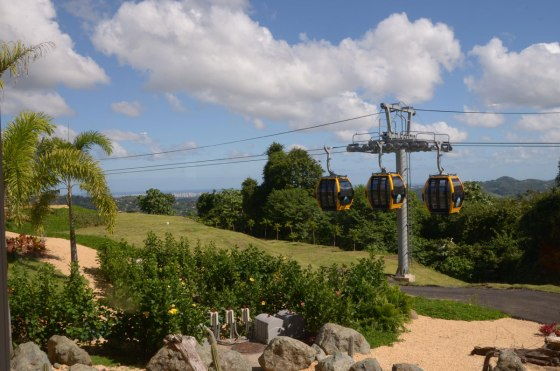 This shows you the cable car that is not in use and gives a hint of the view of San Juan
