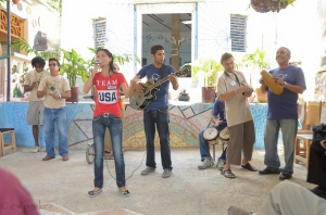 "The musical performance at ""Muraleando"""