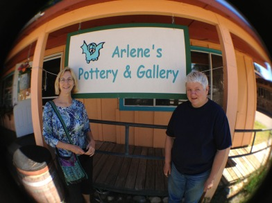 Arl and me in front of the sign to the gallery.  It's right on Main Street - you can't miss it!  (Ps Closed on Wednesdays.)