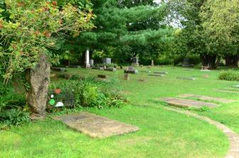 FLW's gravesite in the family cemetery