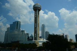 My favorite view, driving into Dallas - sort of ultra-modern and futuristic, don't you think?