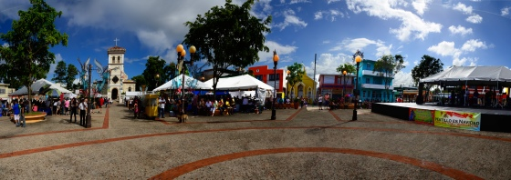 an almost 360 degree look at the plaza before the parade.