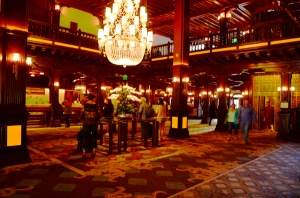 The lobby of the hotel del Coronado - elegance of by-gone times!