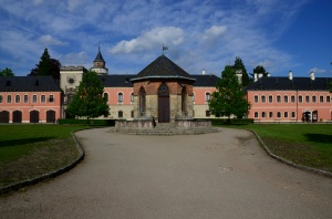 Unnamed Chateau - popular wedding venue - where we happened to eat a late lunch-early dinner.