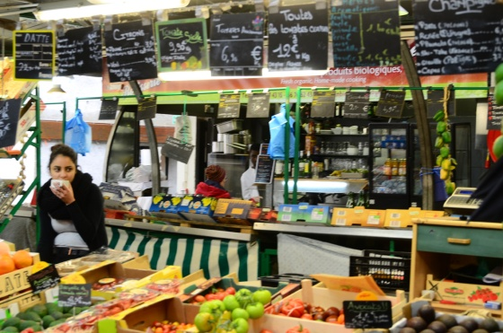 You can buy food stuffs or pre-made food in the Marché des Enfants Rouges.