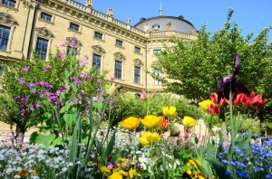 Part of the garden at the Price-Bishops' palace - the Residenz. (Wurzburg)