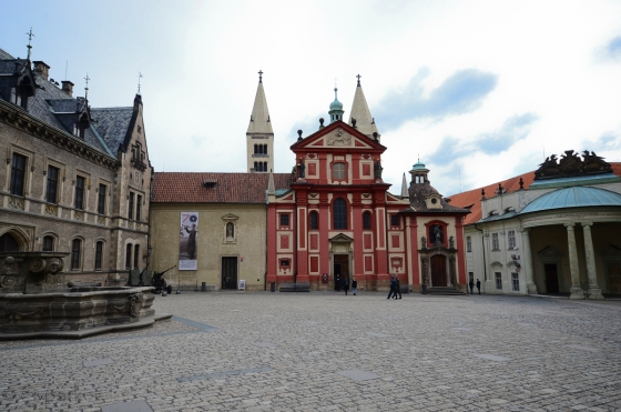 Saint George Basilica (in Prague Castle)