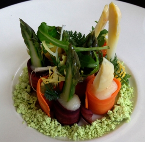 White asparagus and carrot salad