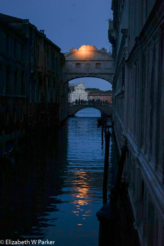 Suggestive evening shot of the Bridge of Sighs from the other side.